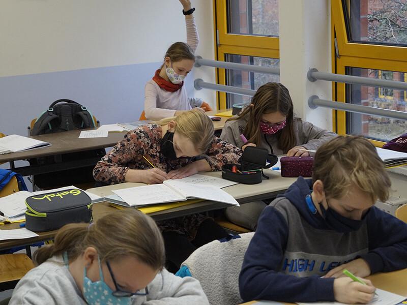 Englischunterricht_in_Klasse_5_und_6__13_.JPG