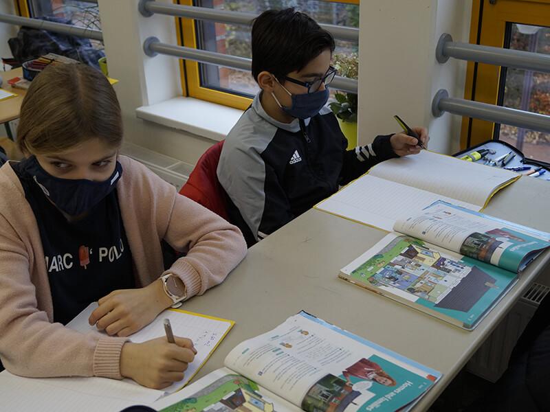 Englischunterricht_in_Klasse_5_und_6__4_.JPG