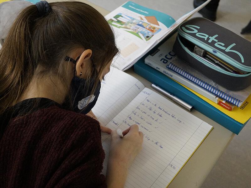 Englischunterricht_in_Klasse_5_und_6__5_.JPG