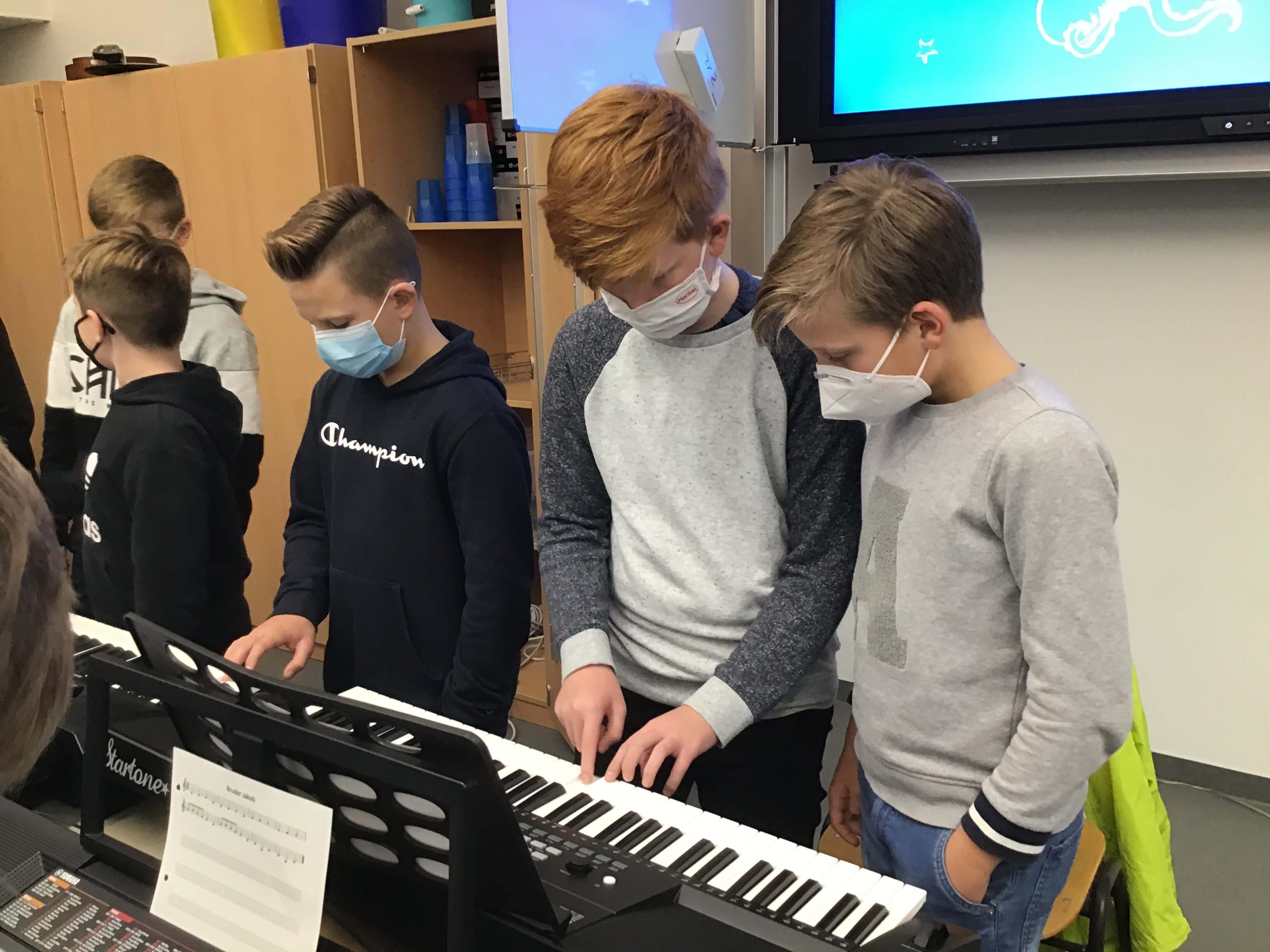 Musikunterricht_in_Klasse_5__3_.jpeg