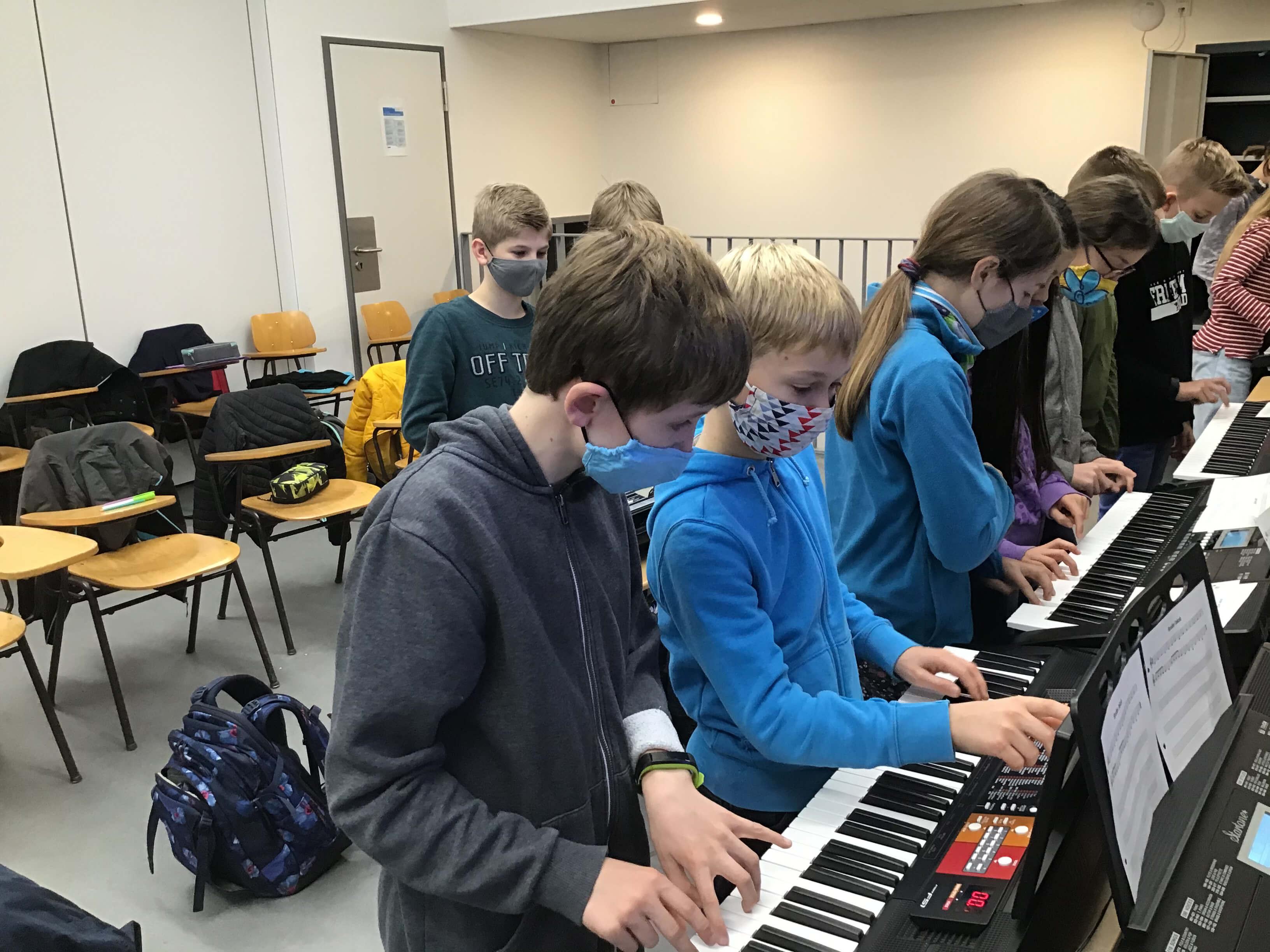 Musikunterricht_in_Klasse_5__4_.jpeg