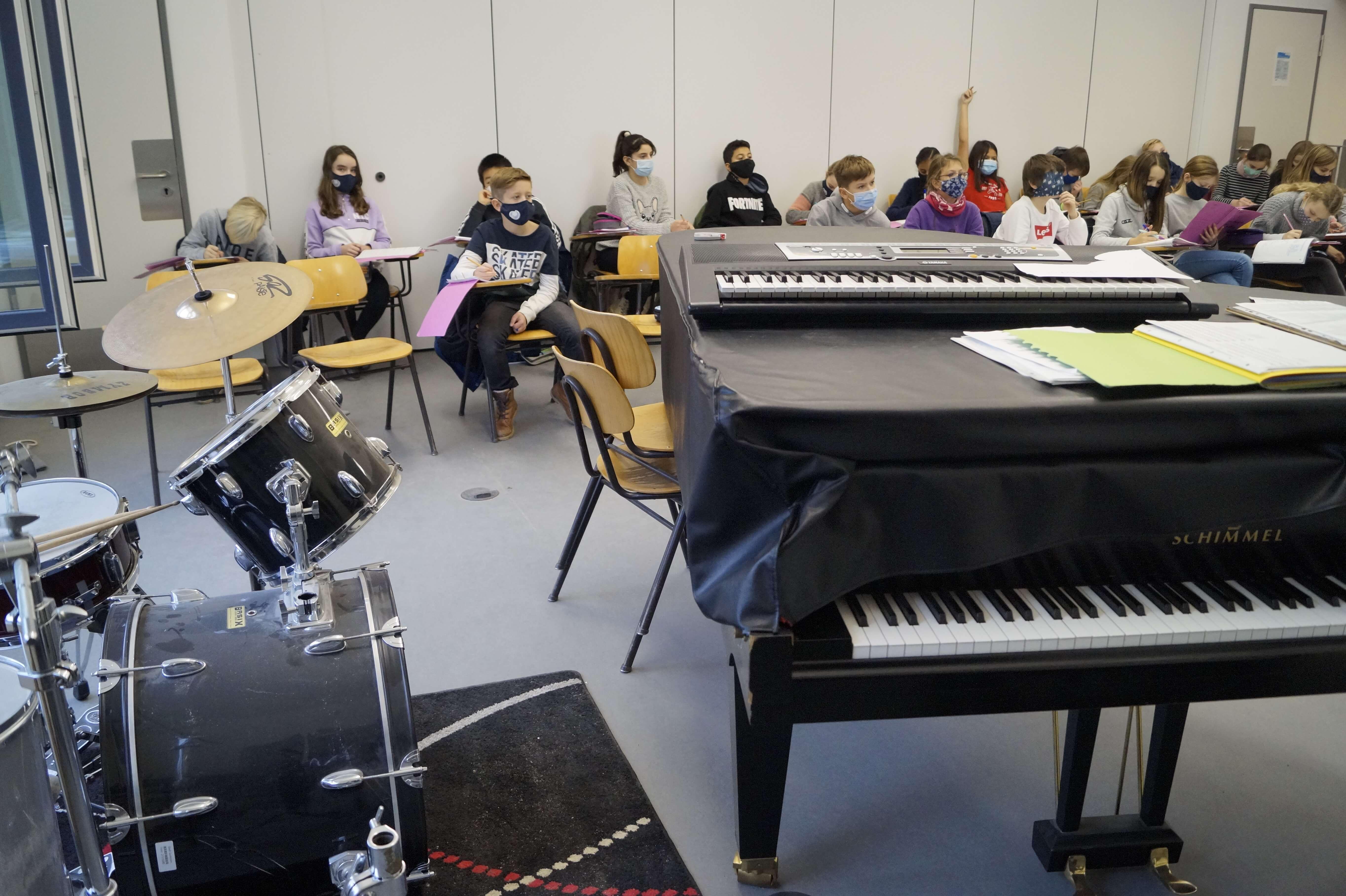 Musikunterricht_in_Klasse_5__6_.JPG