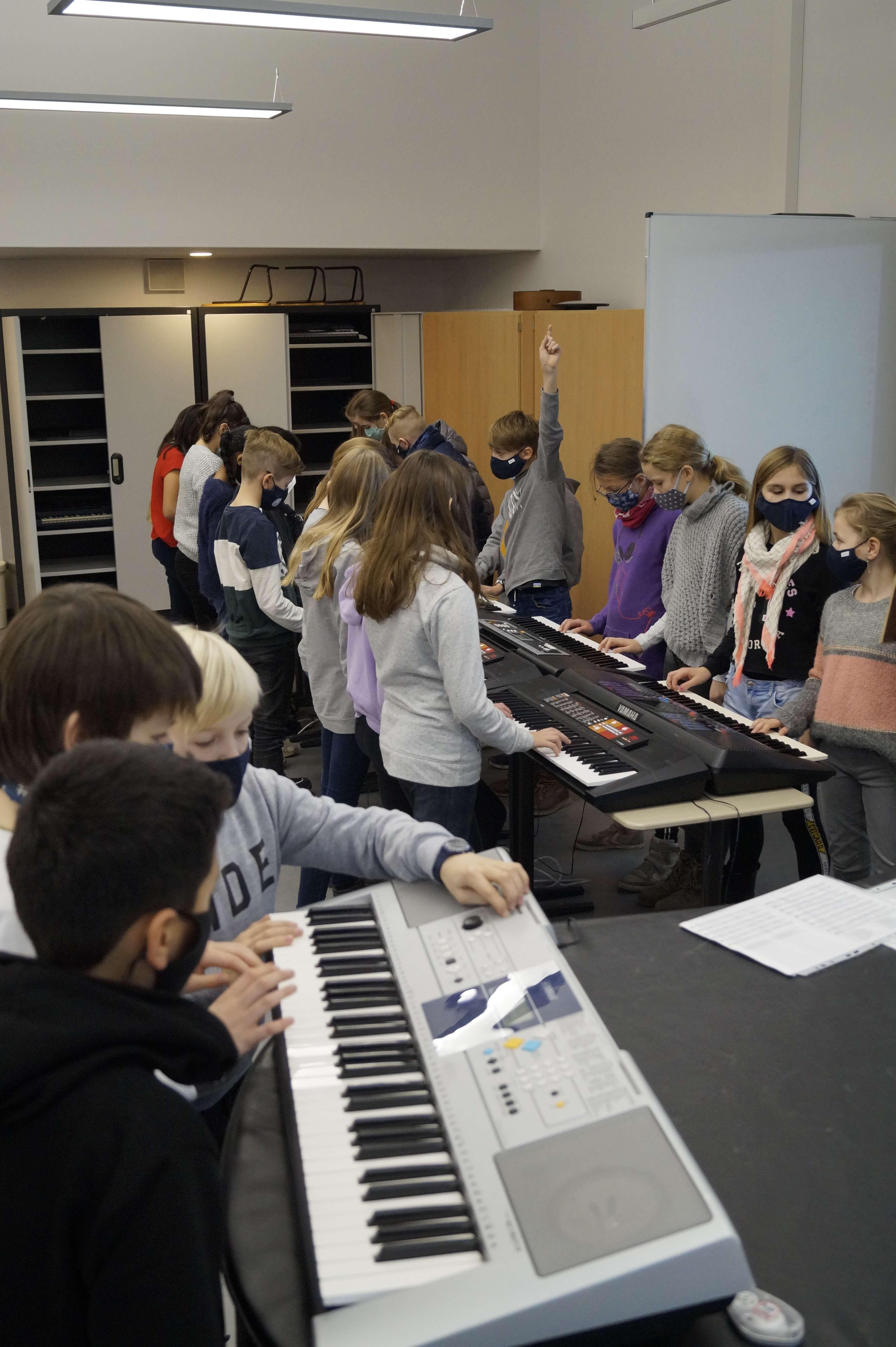 Musikunterricht_in_Klasse_5__9_.JPG